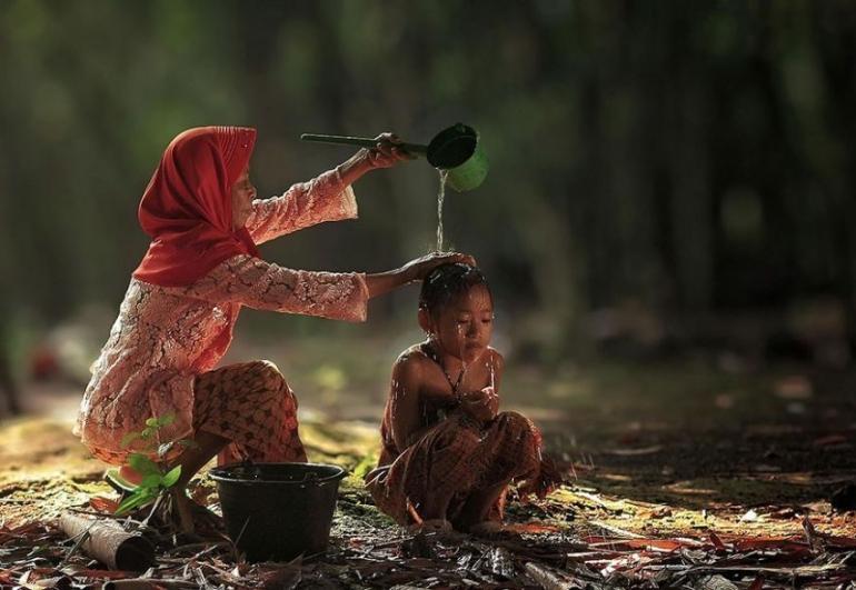 Ilustrasi gambar musim kemarau air digunakan dengan hemat termasuk saat mandi (sumber:pixabay.com)