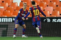Lionel Messi dan Griezmann, mantan pemain Barcelona. Foto: Jose Jordan via Kompas.com