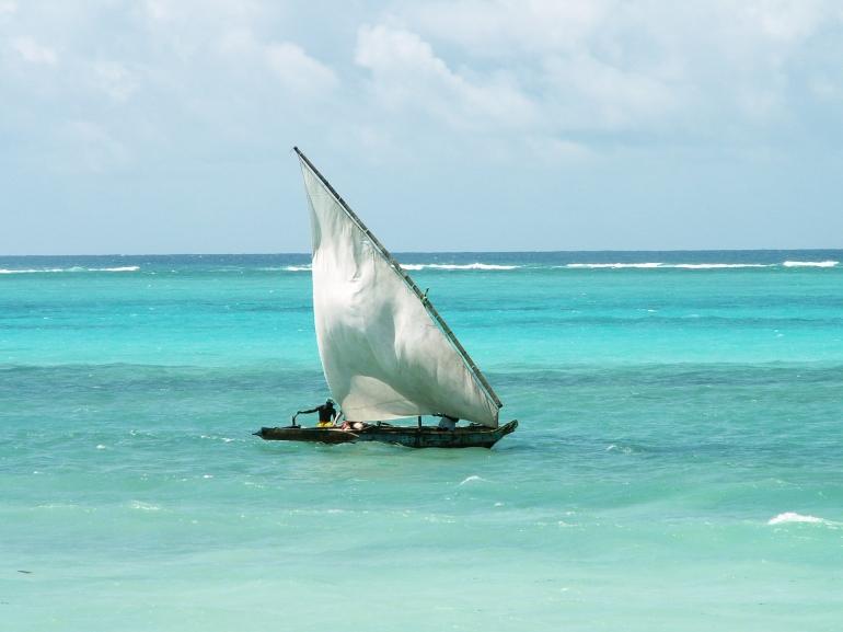 Kapal layar nelayan (foto: Evaschlomberg dari https://pixabay.com)
