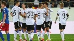 Para pemain Jerman kala mengalahkan Liechtenstein 2-0 di pertandingan ke-4 Grup J kualifikasi Piala Dunia Zona Eropa (sumber : batam.tribunnews.com)