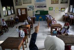 Ilustrasi suasana pembelajaran di ruang kelas| Sumber: ANTARA FOTO/Sigid Kurniawan