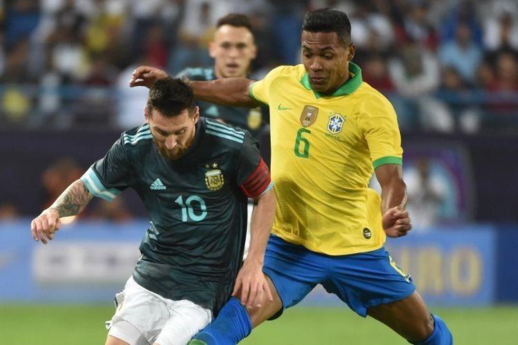 ilustrasi, Lionel Messi vs Brasil dalam sebuah laga. foto: AFP/fayez nureldine dipublikasikan kompas.com
