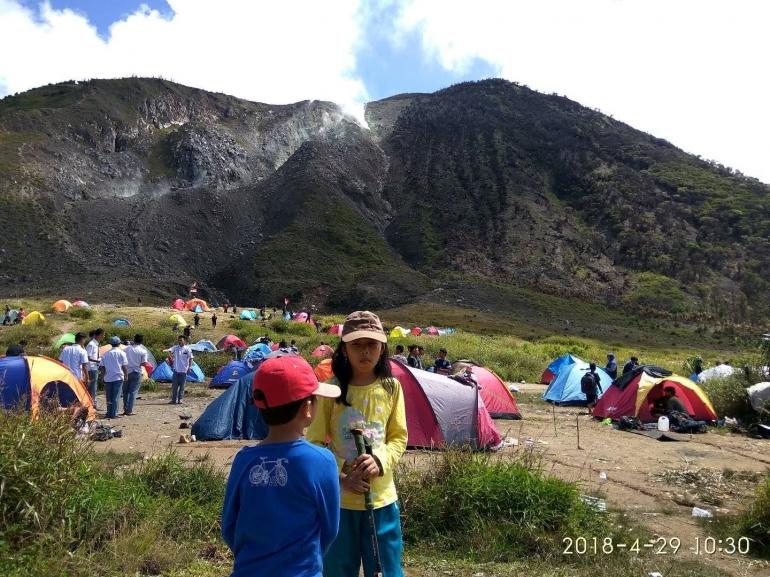 Berwisata ke gunung Talang sebelum pandemi (Dokumentasi Pribadi)