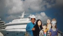 Berfoto setelah turun dari Cruise(dok pribadi)