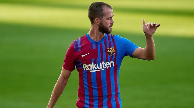 Miralem Pjanic meninggalkan Barcelona musim panas ini. (via fcbarcelonanoticias.com)