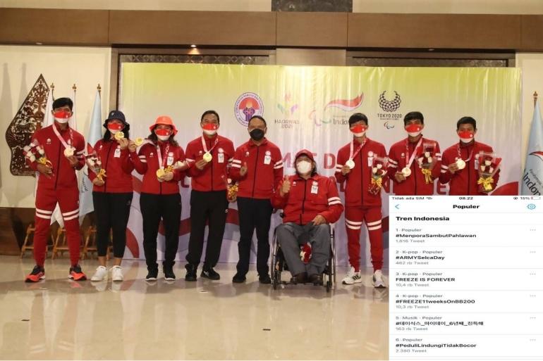 (Tim Bulutangkis Paralimpiade Indonesia bersama Menpora Dok: kemenpora.go.id)
