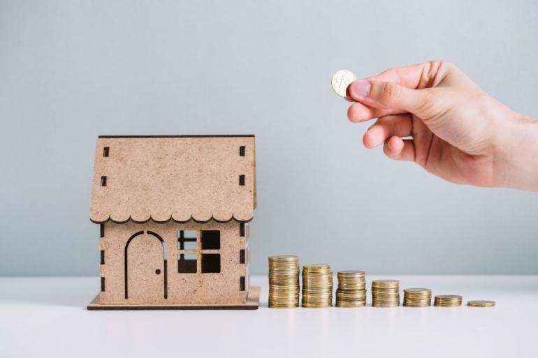 Ilustrasi persiapan tabungan membeli rumah (Freepik/freepik)