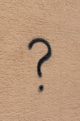 Ajukan 4 pertanyaan untuk memulai strategi pemasaran produk Anda (sumber foto: Marcel Strau on Unsplash)