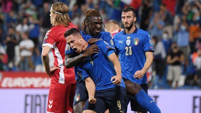 Dengan pemain-pemain lapis dua, Italia menang telak atas Lithuania di Kualifikasi Piala Dunia 2022. (REUTERS/ALBERTO LINGRIA)