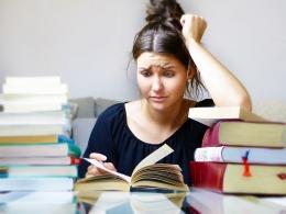 ilustrasi belajar yang sudah tidak fokus. (sumber: pixabay.com/silviarita)