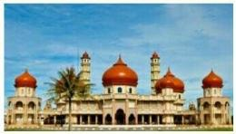 Masjid Agung Baitul Makmur.ikonik kota Meulaboh.dok.tribunaceh.
