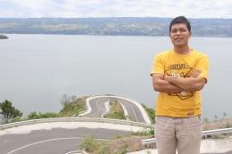 Kelokan delapan Bukit Sibea-bea Samosir. Foto: Dok. Pribadi Kristianto Naku.