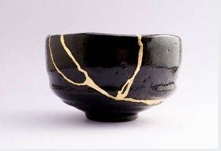 ilustrasi merekatkan mangkuk dengan kintsugi| by istock
