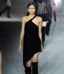 Laras Sekar model Indonesia yang go international. Foto: womantalk.com
