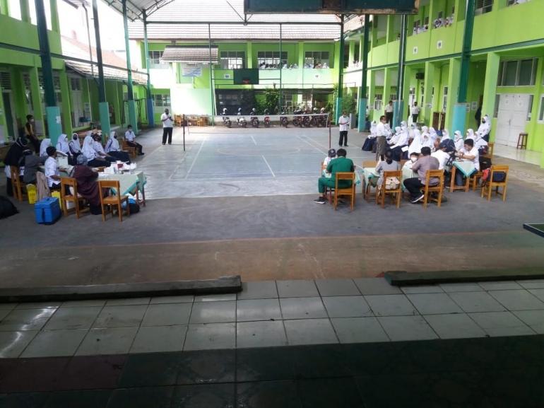 Vaksinasi Siswa SMP N 2 Cibadak. Dokumentasi Pribadi