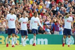 Ekspresi pemain-pemain Tottenham Hotspur usai kalah telak di markas Crystal Palace, Sabtu (11/9)/Foto: Chloe Knott - Danehouse/Getty Images