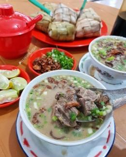 Coto Nusantara- Makassar. Sumber: @kulinerpalangka / www.travelingyuk.com