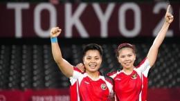 Ganda putri, Greysia Polii/Apriyani Rahayu menjadi salah satu andalan Indonesia di Piala Sudirman 2021.(Foto: AP/Markus Schreiber)