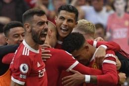 Pemain MU merayakan gol kedua Ronaldo ke gawang Newcastle United di pekan kempat Liga Inggris (AFP/OLI SCARFF/via kompas.com)