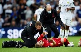 Pemain muda Liverpool Harvey Elliott mengalami cedera parah dalam laga melawan Leeds United (12/9)/REUTERS/Peter Powell