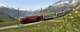 Glacier Express melewati Oberalp Pass-Andermatt. Sumber: www.glacierexpress.com