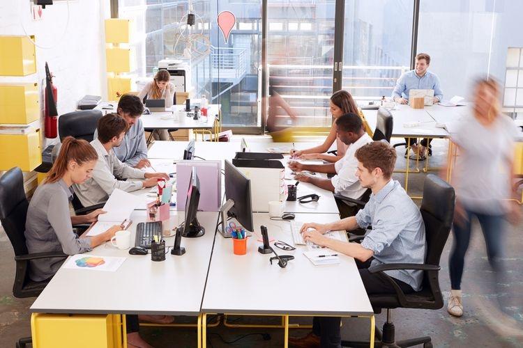 Ilustrasi lingkungan kerja di kantor. Sumber: Shutterstock via Kompas.com