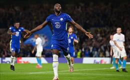 Romelu Lukaku merayakan golnya ke gawang Zenit: Dailymail.co.uk