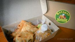 Batagor Kang Bob dalam packing box (Riana Dewie)