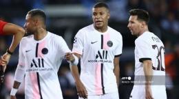 Trio Neymar, Mbappe, Messi tampil biasa saat PSG bermain 1-1 dengan Club Brugge di Liga Champions, Kamis (16/9) dini hari./AFP/KENZO TRIBOUILLARD