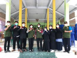 PMM Kelompok 18 bersama Satgas Covid-19 Desa Sukorejo (Dokpri)