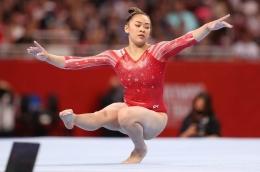 Suni Lee, pesenam Amerika Serikat, meraih emas di Olimpiade Tokyo 2020: Carmen Mandato/Getty Images