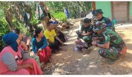 Kopka Irfan sedang berbincang dengan warga (Dokpri)