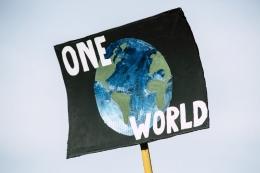 Ilustrasi dunia tanpa sekat   Sumber: www.pexels.com/@markusspiske
