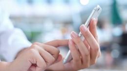 Pembelajaran dengan hp, Sumber gambar: Shutterstock
