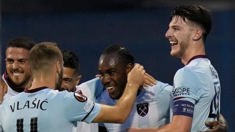 Michael Antonio dan Declan Rice merayakan gol West Ham United ke gawang Dynamo Zagreb di ajang Liga Eropa (Foto Skysports)