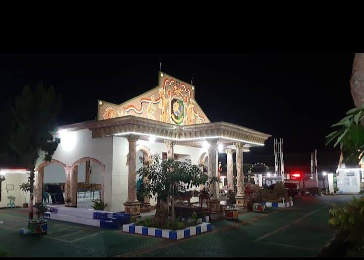 Gambar 2.1 Kantor Desa Tulungrejo (sumber: Dok. Desa Tulungrejo)