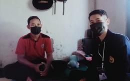 Penulis(Mahasiswa KKN BTV 3 UNEJ) berfoto bersama mitra sasaran (Pak Satria Bagus Sanjaya)/dokpri