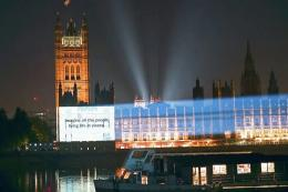 Sepotong lirik Imagine di House of Parliament-London. Sumber: UMG / www.udiscovermusic.com