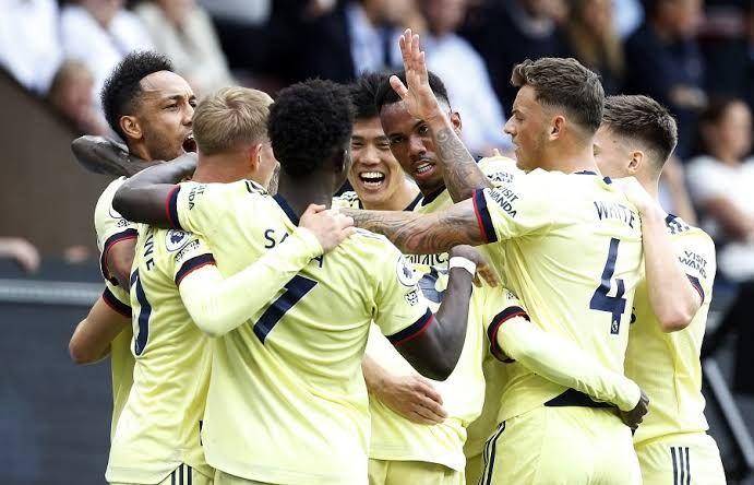 Para pemain Arsenal merayakan gol ke gawang Burnley. Gambar: Reuters via okezone