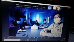 Kepala Sekolah dan jajarannya menyampaikan Sosialisasi PTMT melalui Zoom Meeting kepada orang tua siswa | Bidik layar Dok.Pri. Siska Artati