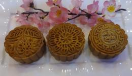 3 Motif Kue Mooncake dengan 3 Macam Rasa yang Berbeda | Koleksi foto Dapoer Om Iffat