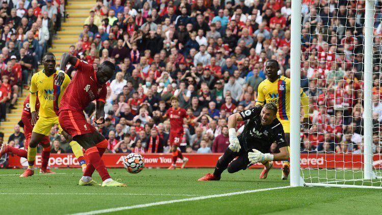 Gol Sadio Mane ke gawang Crystal Palace (Okezone.com)