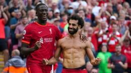 Mohamed Salah dan debutan Ibrahima Konate merayakah gol kemenangan Liverpool 3-0 atas Crystal Palace (Foto Skysports)