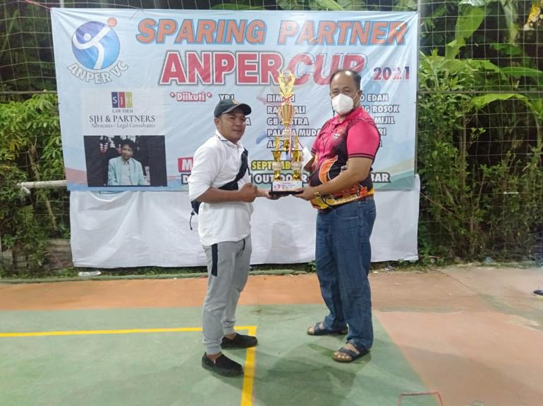 Ketua PBVSI Jakarta Barat Abdul Aziz Muslim SH Gelar Sparing Turnamen ANPER CUP Volli Ball 2021