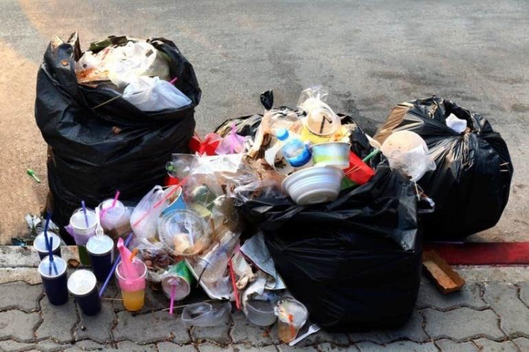 Sampah (sumber: halosehat.com)