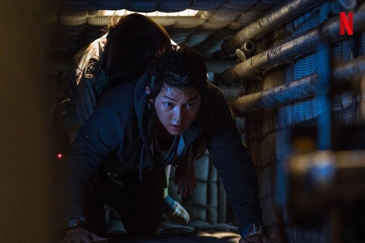 Salah satu adegan Song Joong Ki dalam film