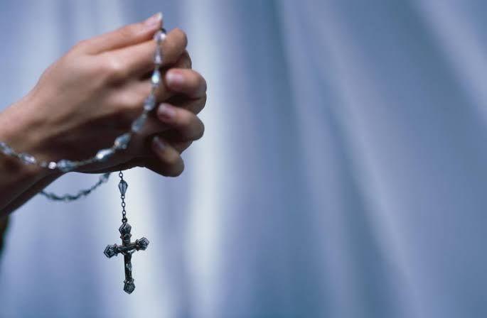 Doa (sumber: insight.tour.com)