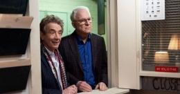 Interaksi dua karakter lansia ini yang bikin serialnya menarik (sumber:Vulture.com)