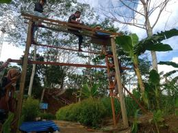Renovasi Gapura Masuk Wisata Gunung Lonceng Bersama Warga. Dok. Pribadi