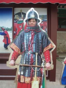 Dokumentasi pribadi/Hahaha ..... aku dalam pakaian perang Korea